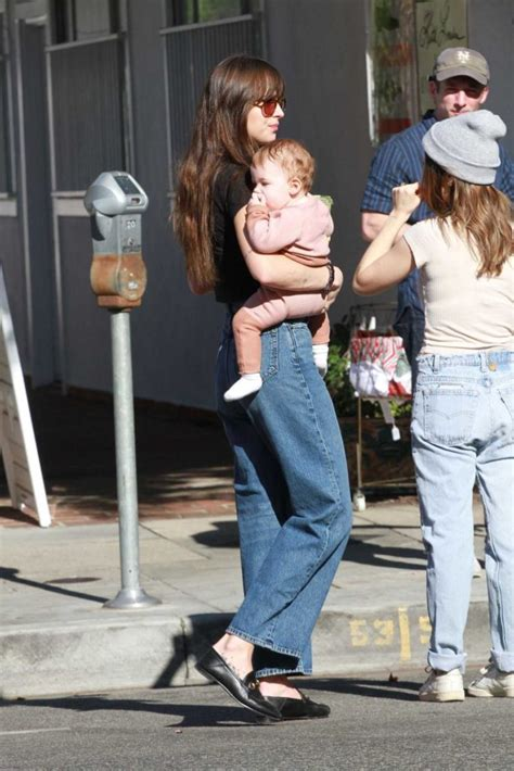 Dakota Johnson Arrives at the Farmers Market with Her