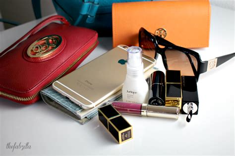 What's In My Purse   Spring Edition - thefabzilla