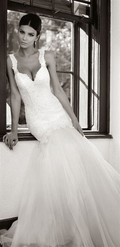 How To Choose A Wedding Dress For Your Body Type: 8 Tips