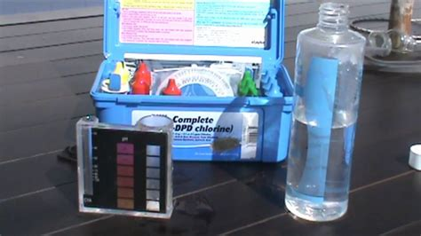 How to test the Alkalinity in your pool - YouTube