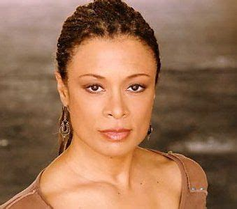 Who is Valarie Pettiford dating? Valarie Pettiford