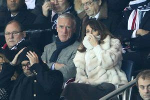 Didier Deschamps et sa femme Claude au match PSG-Barcelone