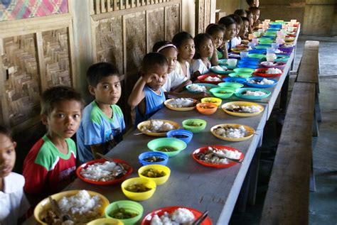 Dining room in a school, Philippines | Dining room in a