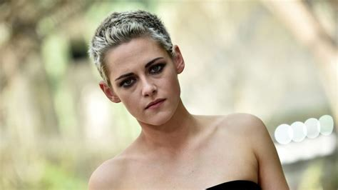 Kristen Stewart compares sexuality to eating sandwiches