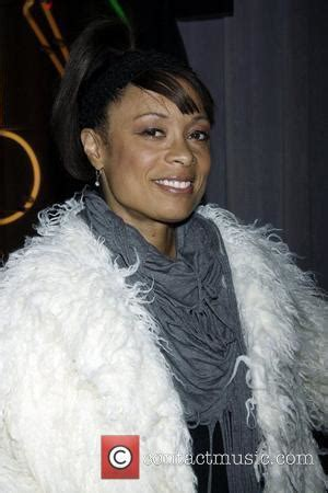 Valarie Pettiford Pictures | Photo Gallery | Contactmusic