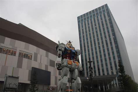 Giant robots, fortune-telling video games and Mexican food