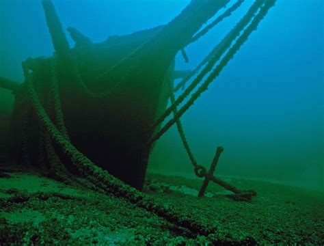 Shipwrecks | The Thomas Hume bow by Robert Underhill, MSRA