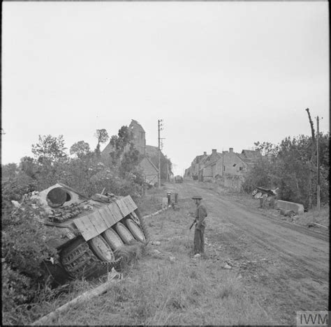 THE BRITISH ARMY IN THE NORMANDY CAMPAIGN 1944 (B 5784)
